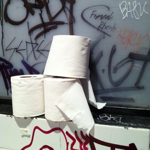Frenzal Rhomb Toilet