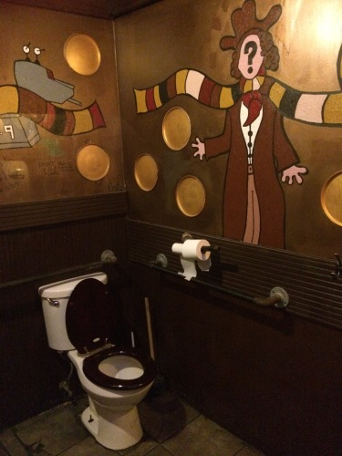 Tardis toilet 2