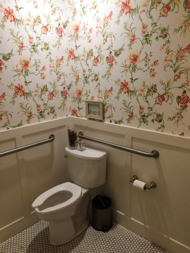 . Floral wallpaper at the Cakeroom   Toilography